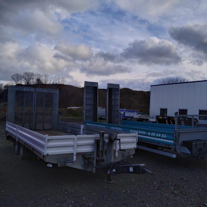 Tieflader / Baumaschinentransportanhänger